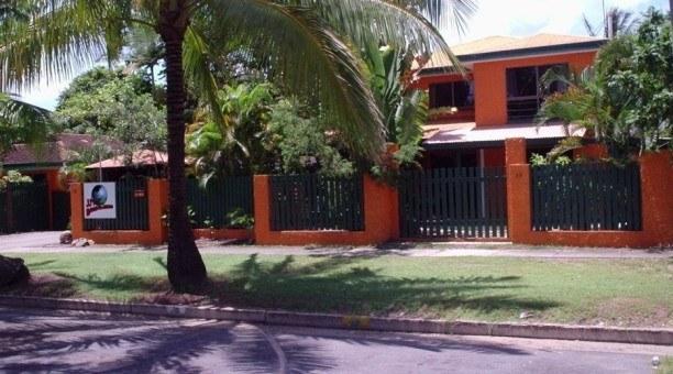 Cairns Backpacker Hostel JJ's