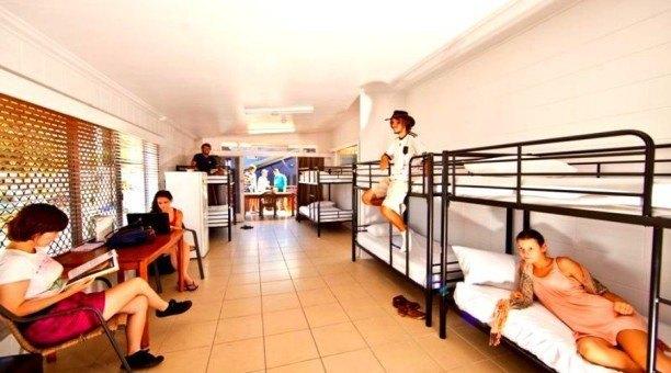 8 Bed Deluxe Dorm